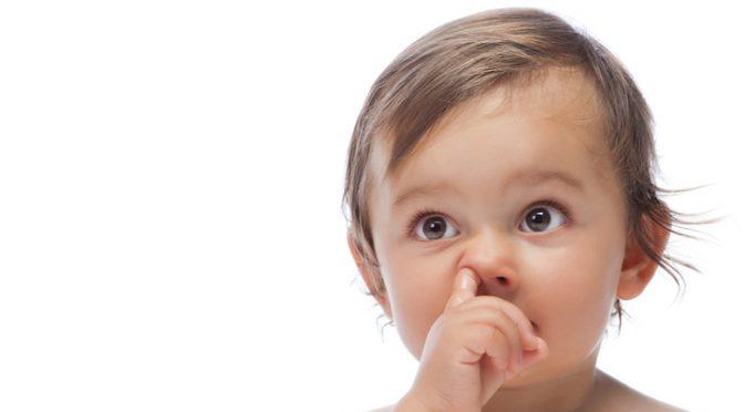 Бърза помощ: как да постъпите, ако малчо си пъхне нещо в носа?