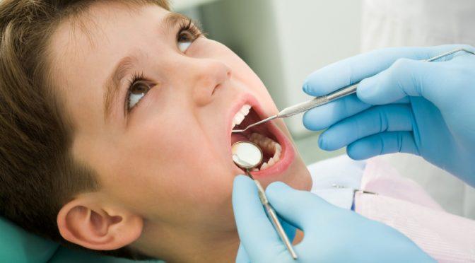 Проверяват безплатно зъбките на първокласниците в Бургас