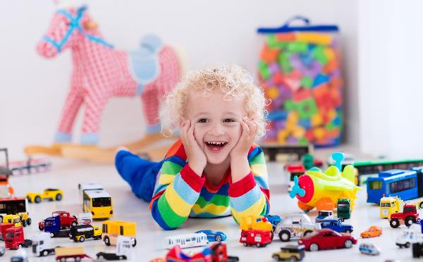Защо за децата е добре да скучаят
