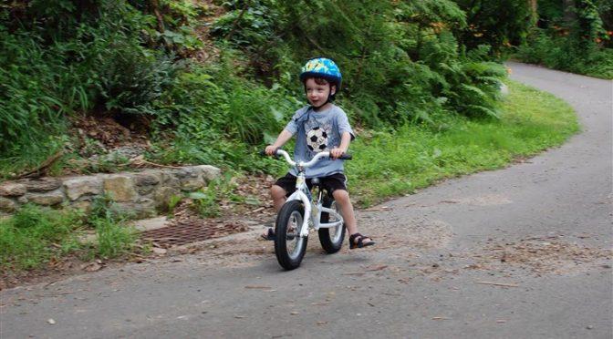 Защо колелото за баланс е добро за малчо?