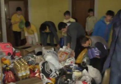 Деца помагат на връстниците си от приюта на отец Иван