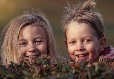 Хората, които имат сестри, са по-щастливи