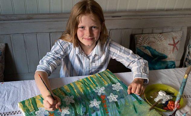 Десетгодишна художничка събра 50 хиляди лири за борба с рака