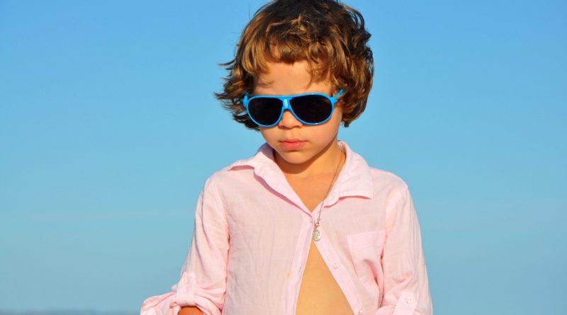 През лятото: добре е малчо да носи слънчеви очила. Вижте защо!
